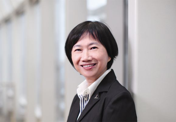 Chief Technology Officer, CapitaLand Limited, Leong Soon Peng, is not what you would expect of a technophile, being a woman in a male-dominated IT world and no slave to whimsical tech trends