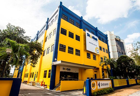 StorHub's eye-catching yellow and blue buildings are located at highly visible, convenient locations