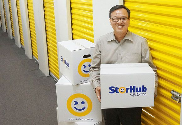 Mr Heng Tze Kiang, General Manager of StorHub Group Pte Ltd (StorHub), a wholly owned subsidiary of CapitaLand Group, exemplifies the spirit of neatness and proper storage with an office desk that is clear of clutter