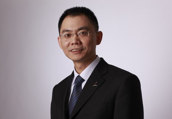 Qian Yiqi, is a pragmatic man who believes in saying things as they are and being upfront and transparent