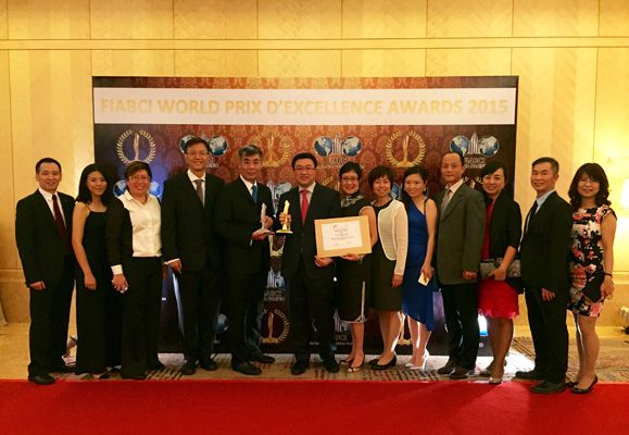 CapitaLand China CEO, Lucas Loh and CapitaLand Singapore's VP Product Development & Design, Eng Tiang Wah, at the FIABCI 2015 Awards ceremony in KL in June