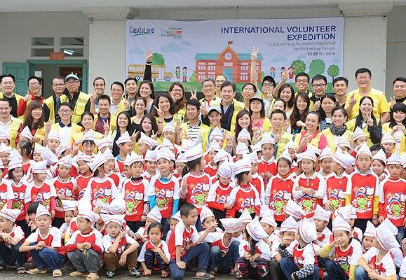 A CapitaLand International Volunteer Expedition headed to Phu Tho Province in Vietnam to rejuvenate the CapitaLand Nang Yen Primary Hope School for 200 needy students.