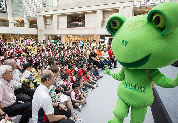 CapitaFrog, CapitaLand's Green mascot, makes a special appearance at the launch of the CapitaLand – People's Association Community Development Fund to inspire children to dare to dream.