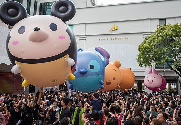 A Tsum-sational way to kick off the carnival - six two-metre tall Tsum Tsum inflatables made their way from Bugis Junction to Plaza Singapura in the region's first roving Tsum Tsum parade.