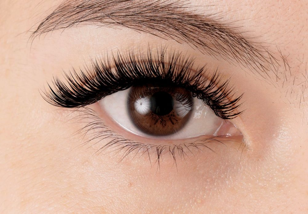 a2e723084c3 Everything You Need to Know Before Getting Eyelash Extensions in ...