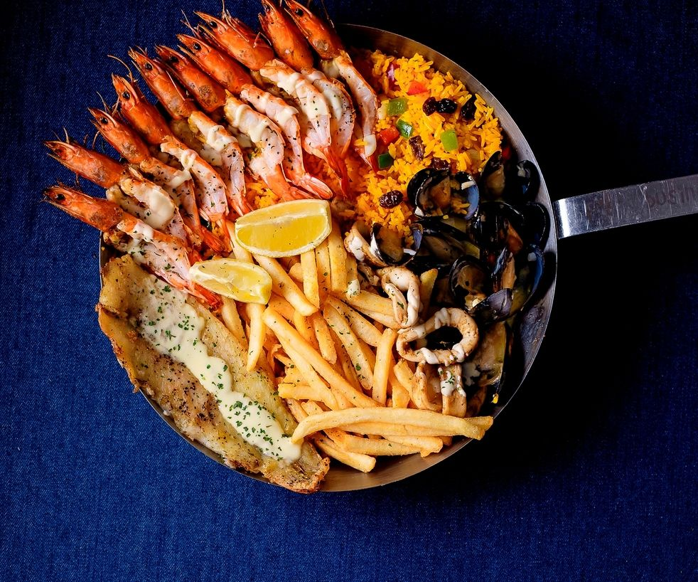 20% off Broth Pots and Seafood Platters
