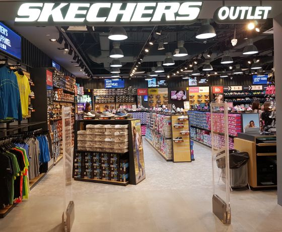 prototipo Guia Problema  Skechers Outlet | Bags & Shoes | Sports Apparel | Outlet | IMM